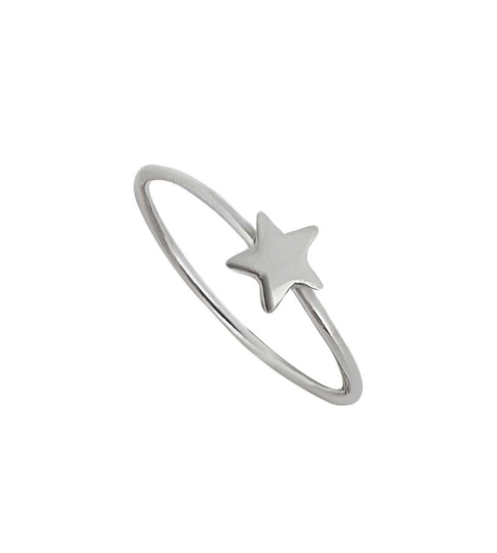 Anillo de plata con estrella pequeña