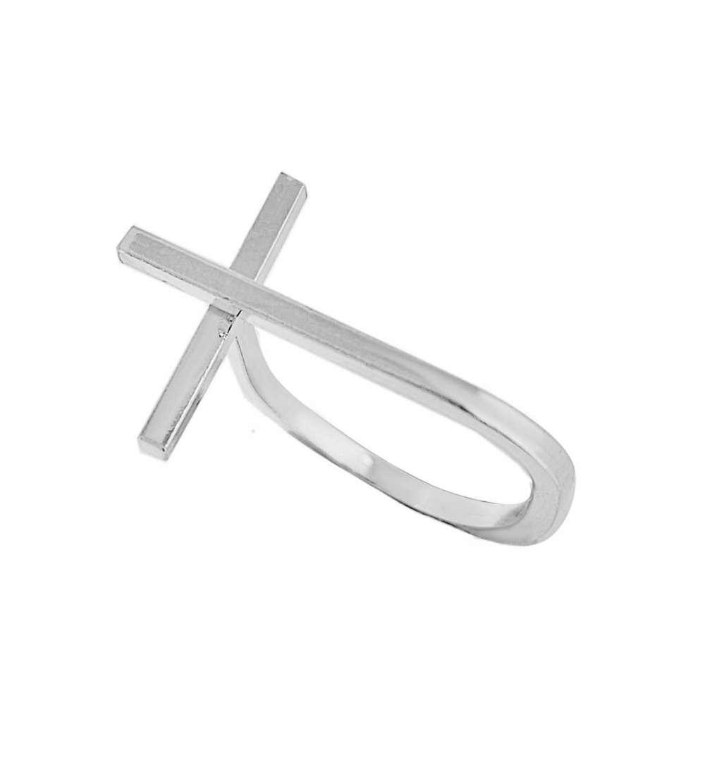 Anillo de plata con forma de cruz